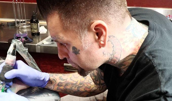 H&H Las Vegas tattoo artist Ron Gilmore
